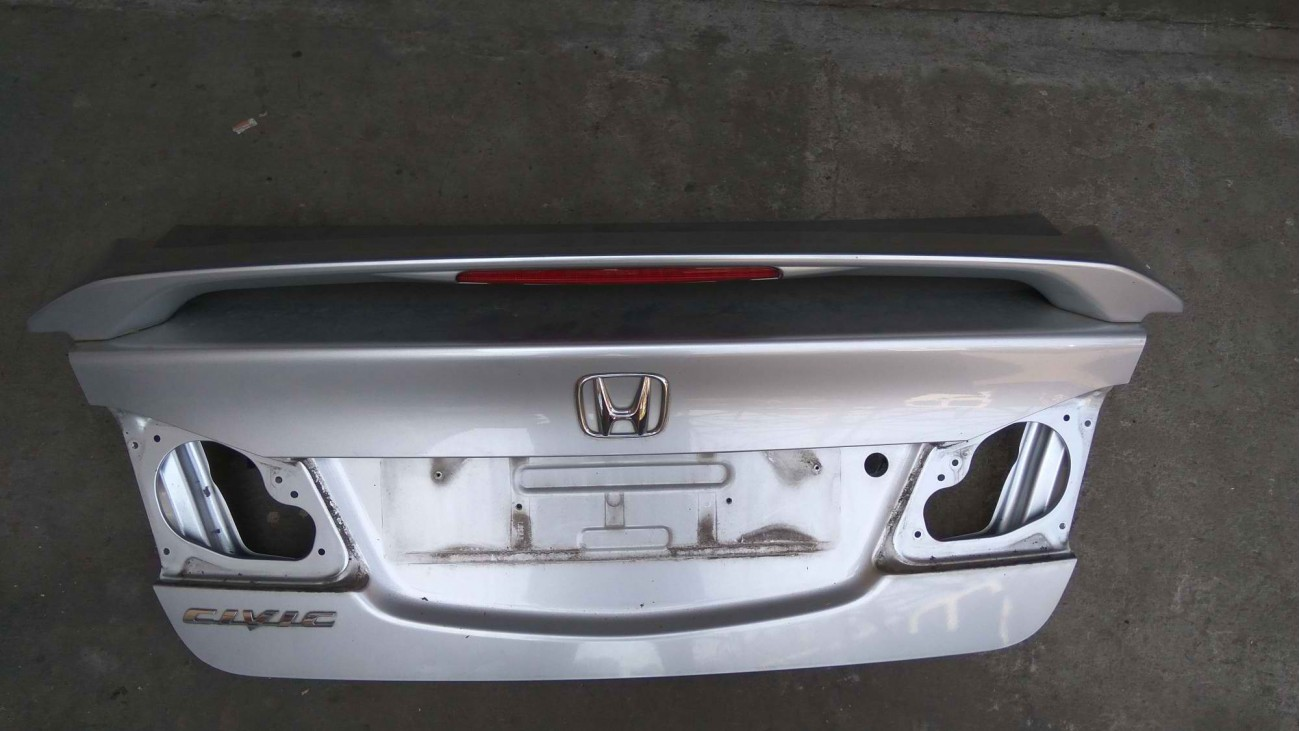 Крышка багажника Honda Civic 4D