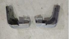 Брызговик передний правый  Honda Civic 4D