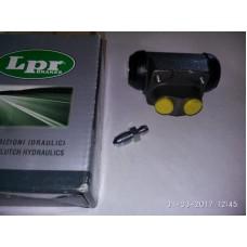 Тормозной цилиндр задний Ленд Ровер Фрилендер 1